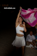 Shino_bay_white_party_dancer_AVA_live_radio