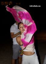 Shino_bay_white_party_dancer_beach